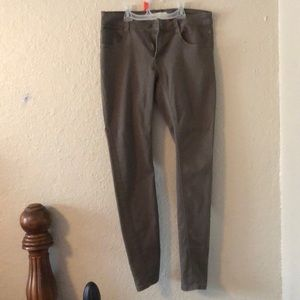 Army green skinny low rise pants sz 28(7/8)